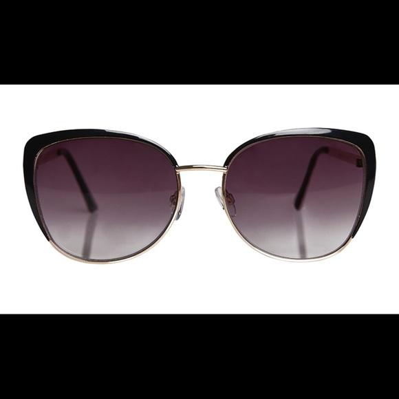f82384ee94c2 O by Oscar de la Renta Accessories | Catty Metal Glasses Gold | Poshmark